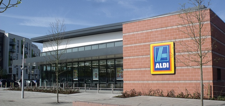 Aldi spurs 3% price drop in SoCal grocery market | Food Dive