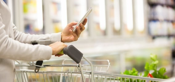 grocery shopper with smartphone